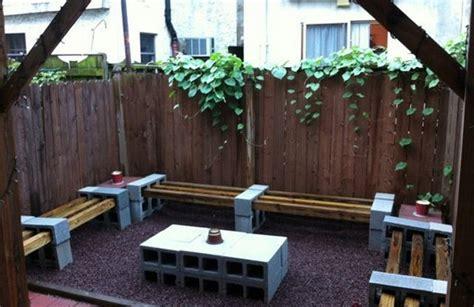 meubles de patio comment bien 14 ères originales d 39 utiliser des parpaings comme meubles ou accessoires page 2 sur 2
