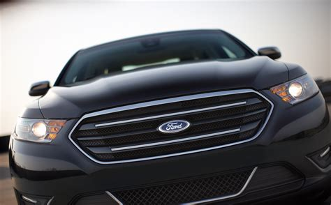 2018 Ford Taurus Limited Picture 53239