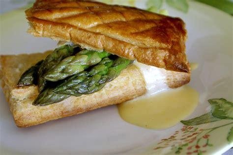 cuisiner les asperges vertes feuilletés d 39 asperges vertes sauce mousseline recette de