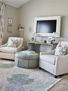 Love this sitting area in a master bedroom! | Sita ...