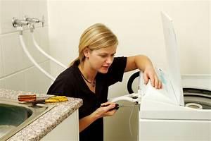 Waschmaschine Unter Waschbecken : waschbecken anbringen die richtige h he im bad finden ~ Watch28wear.com Haus und Dekorationen