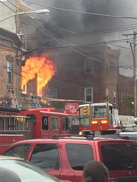 Fire breaks out at South Philadelphia building - 6abc ...