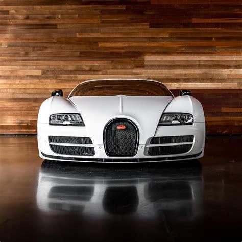 People who choose cars such as the chiron do. Bugatti Veyron by @zuumy | Bugatti veyron super sport, Bugatti veyron, Latest cars