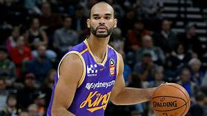 Former Kansas star Perry Ellis eyes unconventional route ...