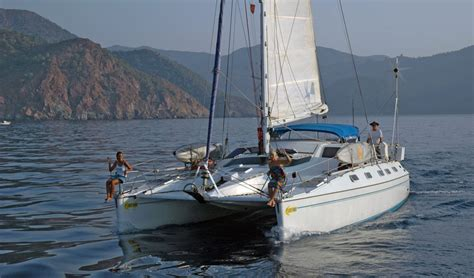 Catamaran Around The World sailing offshore in a privilege 39 catamaran around the