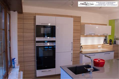 cuisine blanche et cuisine moderne blanche et bois delightful cuisine