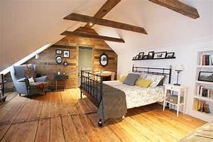 Deco Maison Avec Poutre : la chambre mansard e d 39 une maison canadienne ancestrale ~ Zukunftsfamilie.com Idées de Décoration
