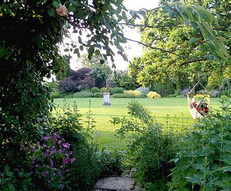 Medium Sized Garden Design (up To 1 To 2 Acres) Gardeneye