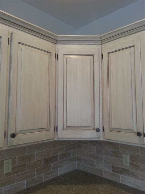 cream cabinets with glaze learn to paint a cream cabinet with glaze the magic brush
