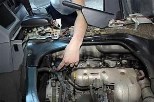Mazda Bongo Oil Filler