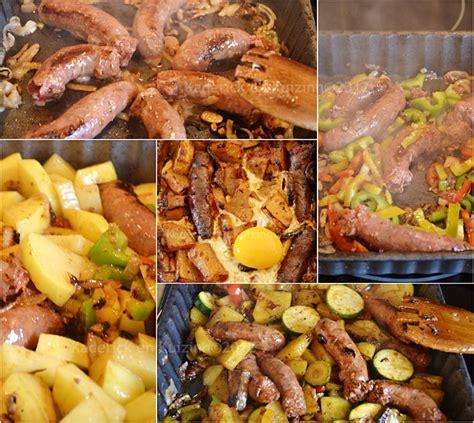 cuisiner des merguez chakchouka tunisienne merguez et oeuf par kaderick