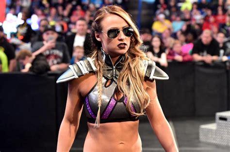 evil emma  wwe raw return competes   woman tag