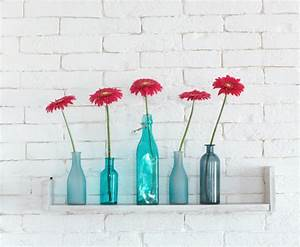 Einzelne Blume Vase : deko flaschen 44 vorschl ge wie sie eine untypische deko schaffen ~ Indierocktalk.com Haus und Dekorationen