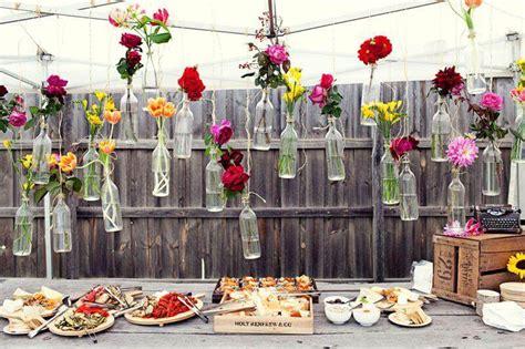 apparecchiare in giardino mise en place come apparecchiare per un buffet all aperto