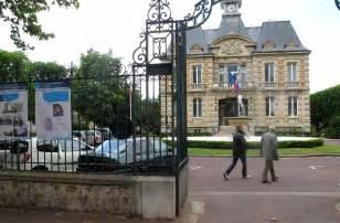 le v 233 sinet la municipalit 233 met une maison 224 vendre sur site le parisien
