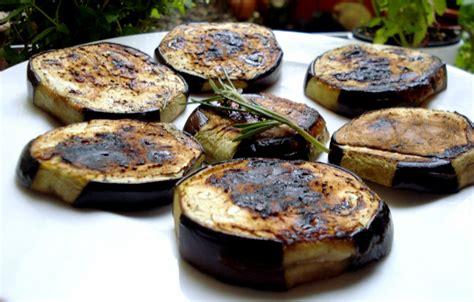 cuisiner les aubergines facile cuisiner aubergine sans graisse régime pauvre en calories