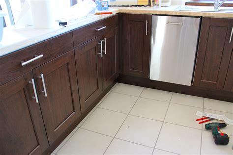plinthe meuble cuisine ikea finis ton assiette euh la cuisine