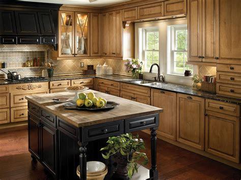 country kitchen  wood cabinets  kitchen island hgtv