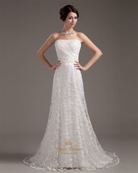 Vintage Ivory Lace Strapless Sheath Wedding Dress With