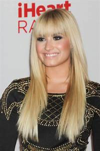 The Top Demi Lovato Hairstyles that we Love - Hair World ...