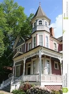 Viktorianisches Haus Kaufen : historisches viktorianisches haus lizenzfreie stockfotos bild 660948 ~ Markanthonyermac.com Haus und Dekorationen
