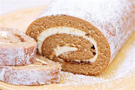 pumpkin cake roll pumpkin roll cake recipe cakecentral com