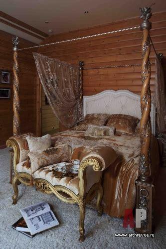 dizayn interera derevyannogo doma  stile dvortsovoy roskoshi