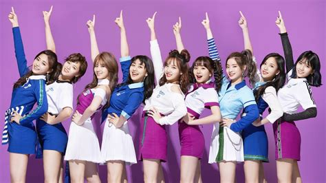 Twice Breaks Records In Japan With