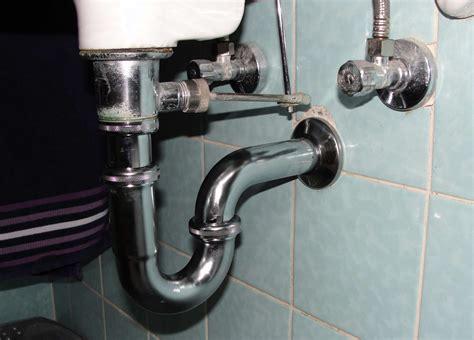 Waschbecken Rohr Reinigen by Verstopfter Abfluss Am Waschbecken Der Wohnsinn