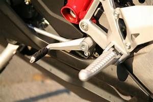 How And When To Shift Gears On A Motorcycle