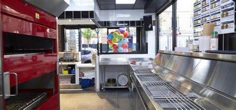 domino cuisine la franchise domino s pizza présentée par olivier tellechea directeur du développement
