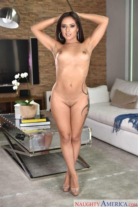 Sexy Brunette Jynx Maze Ass Fucking MILF Fox