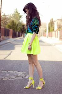 Yellow Neon H&M Sandals Green Tropical Versace Jumpers