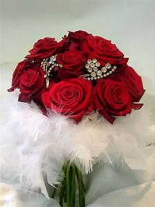 Kolorowe Inspiracje Ślubne: Czerwone Bukiety Ślubne