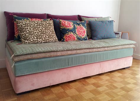 faire un canapé avec un lit banquette lit les carnets d 39 atelier de virginie