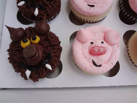 pigs   big bad wolf cupcakes