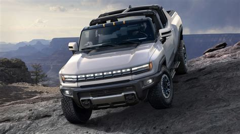 Is General Motors a Buy After Electric Hummer Unveiling? - TheStreet