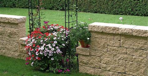 Muretti In Pietra Per Giardini by Muri Da Giardino Prefabbricati Idee Per La Casa