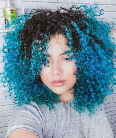 beautiful short shape and thick curls hair goal with bold