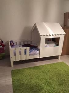 Lit Plus Matelas : pack lit enfant cabane swam blanc ~ Teatrodelosmanantiales.com Idées de Décoration
