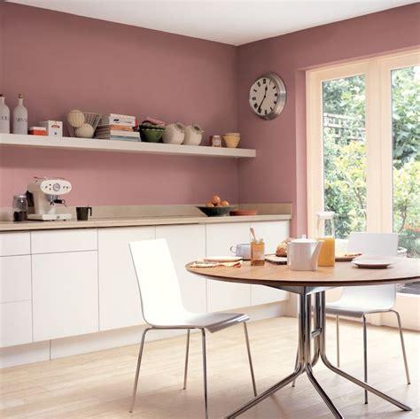 couleur mur cuisine bois les 25 meilleures idées de la catégorie murs roses sur
