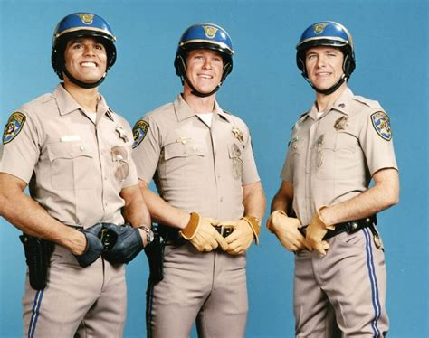 Resumed Tv Series by Chips Tv Show R 233 Sum 233 Fiche Signal 233 Tique Galerie Photos