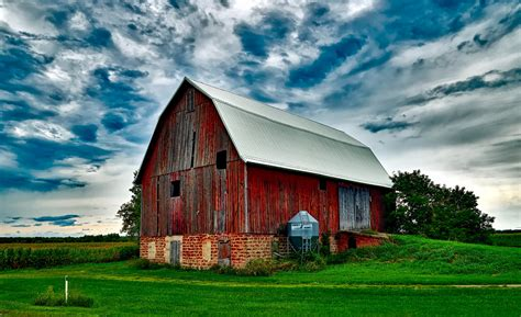 Barn Images Barn On Field Against Sky 183 Free Stock Photo