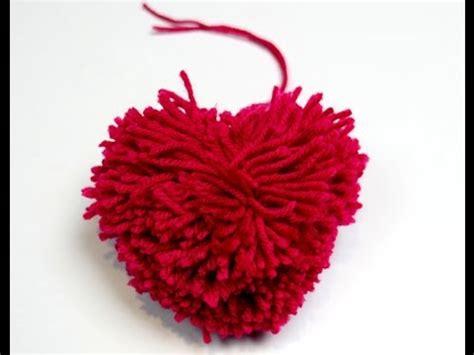 bricolage deco comment faire un pompon en forme de coeur hellokids
