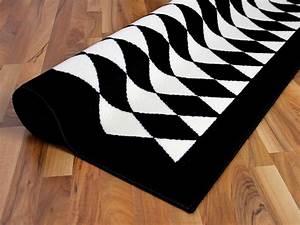 Läufer Schwarz Weiß : teppich trendline schwarz wei raute 4 gr en teppiche designerteppiche trendline teppiche ~ Orissabook.com Haus und Dekorationen