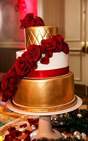 Wedding Cake Wednesday: Gold Sophisticated Glamour