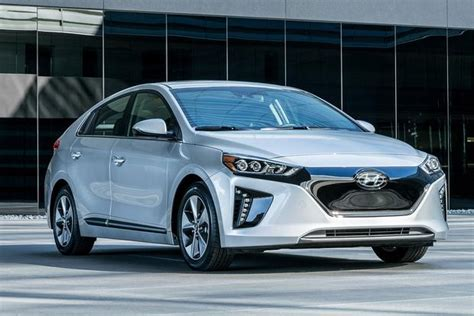 Best Electric Vehicle Range by Here Are The 10 Electric Vehicles With The Ranges