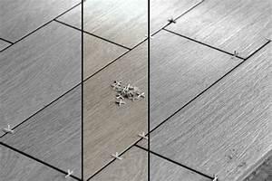 Wandfliesen Verlegen Wo Anfangen : bodenfliesen verlegen f r anf nger anleitung videos und tipps ~ Frokenaadalensverden.com Haus und Dekorationen