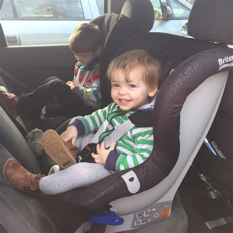 siege auto britax max way a britax max way in a ford focus sorry about the mess
