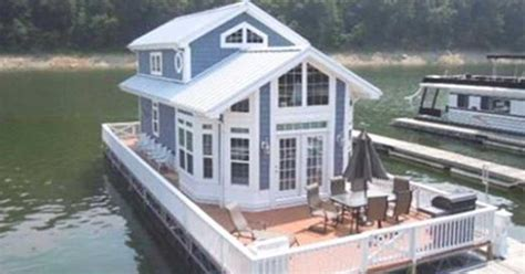 whisked     story cottage houseboat
